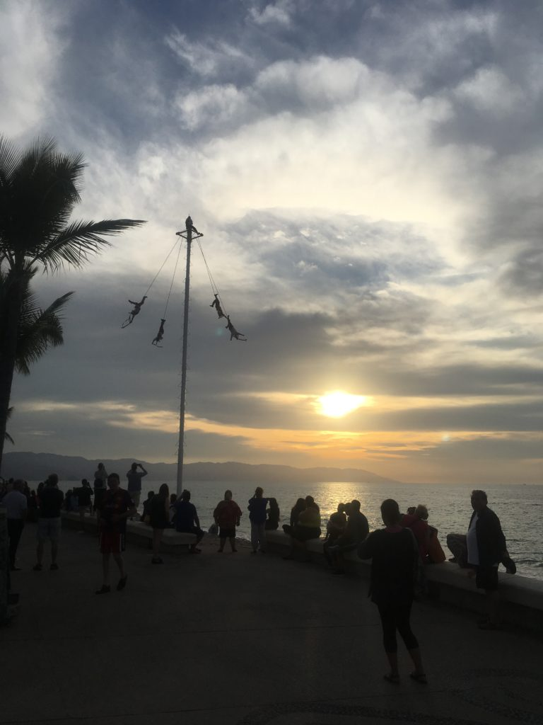 Puerto Vallarta malecon entertainment
