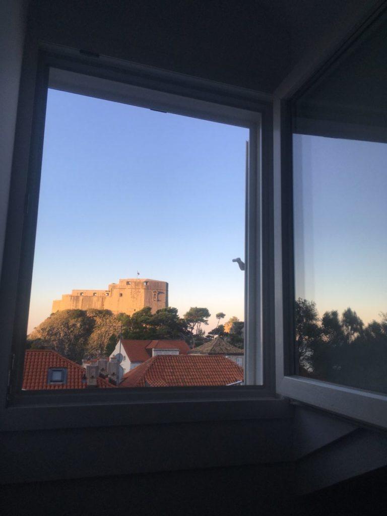 View of Fort Lovrijenac from the window of Irundo Dubrovnik - Porta Apartments