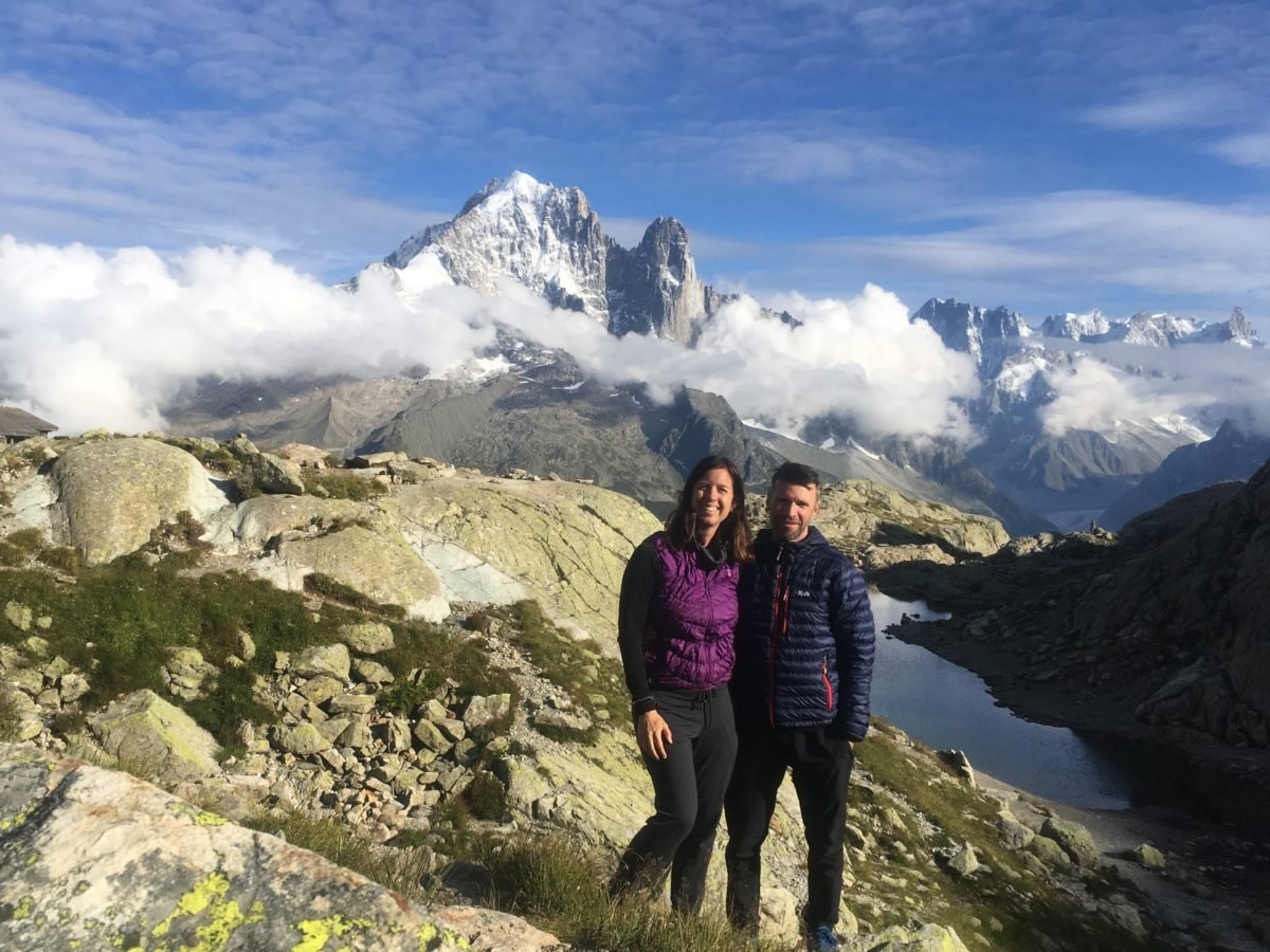 Couple in front of Refuge Lac Blanc