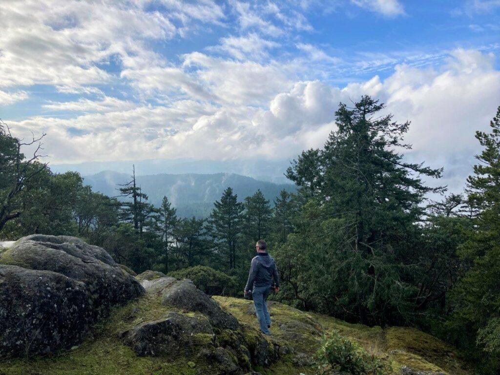 Man walking toward viewpoint on Mount Work Summit Trail