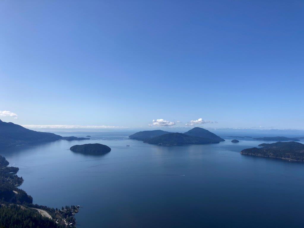 View of the islands in the Howe Sound from the Tunnels Bluff hike viewpoint