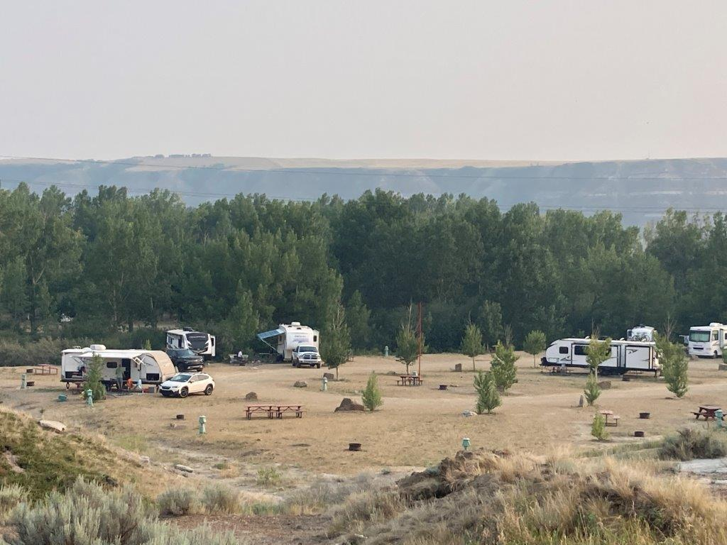 RVs in a Drumheller camping site
