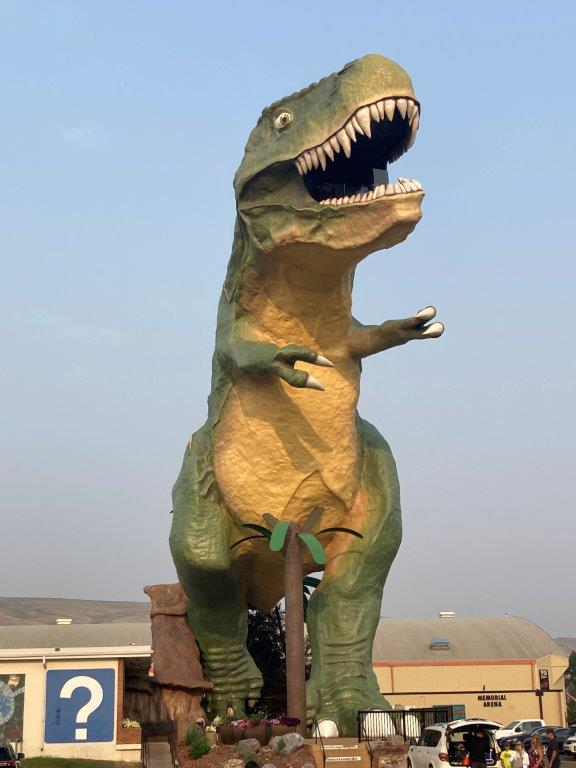 The tallest dinosaur in the world -a Drumheller attraction